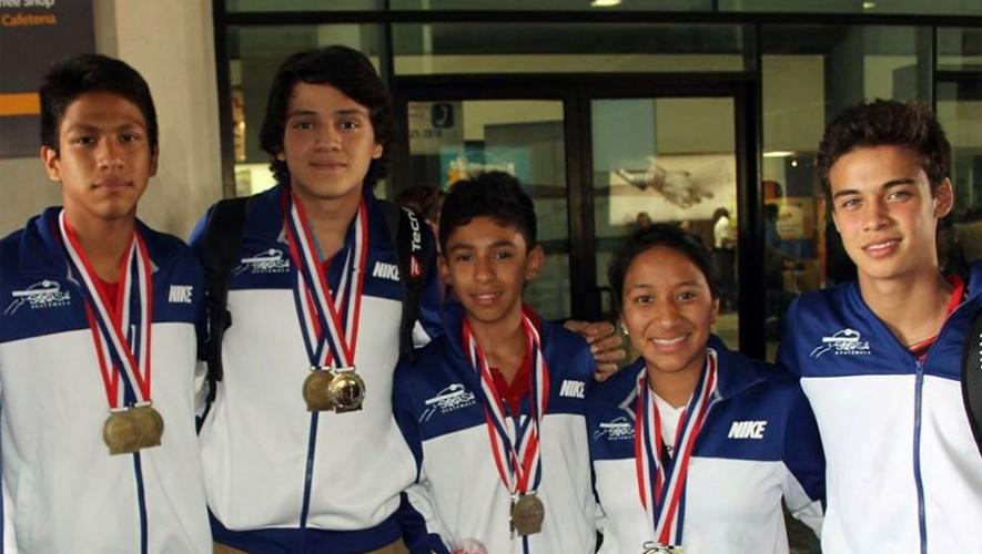 Qainy Bonilla junto a los demás seleccionados