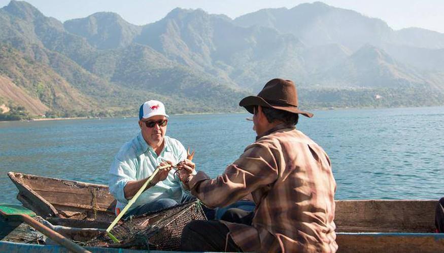 Andrew Zimmern en Guatemala.