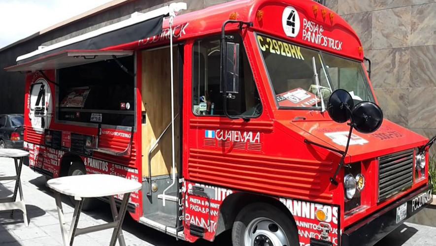 Se inauguró una plaza que reúne a los mejores Food Trucks de Guatemala. (Foto: Facebook Numero Cuatro Foodtruck)