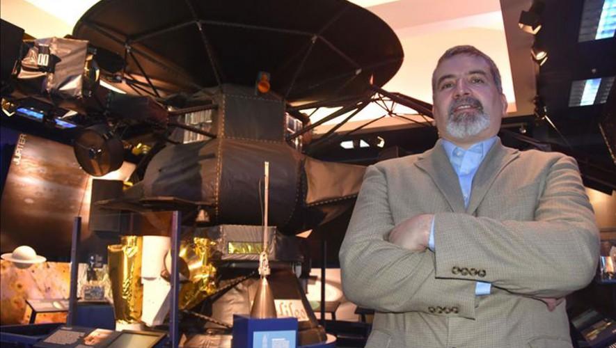 El guatemalteco Edward Hirst es el gerente de operaciones del proyecto Juno en la NASA. (Foto: El Pregonero DC)
