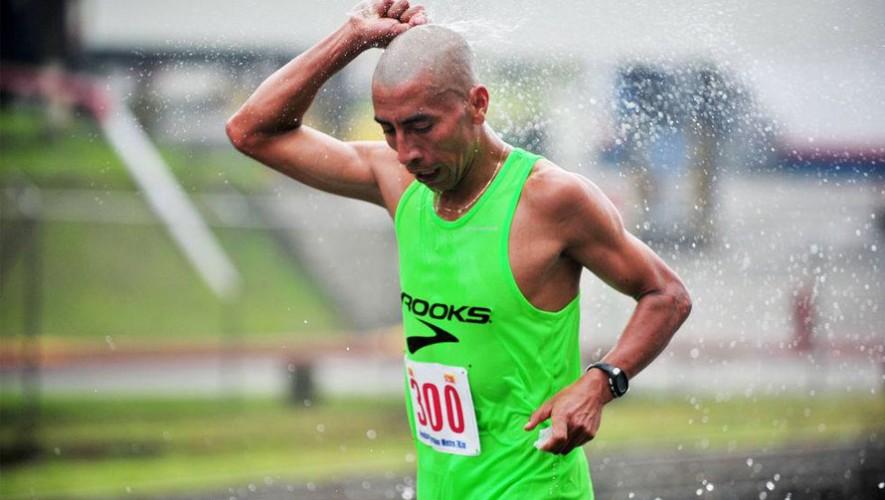 Amado García se convierte en el décimo cuarto guatemalteco que viajará a los Juegos de Río 2016. (Foto: Facebook Run502)