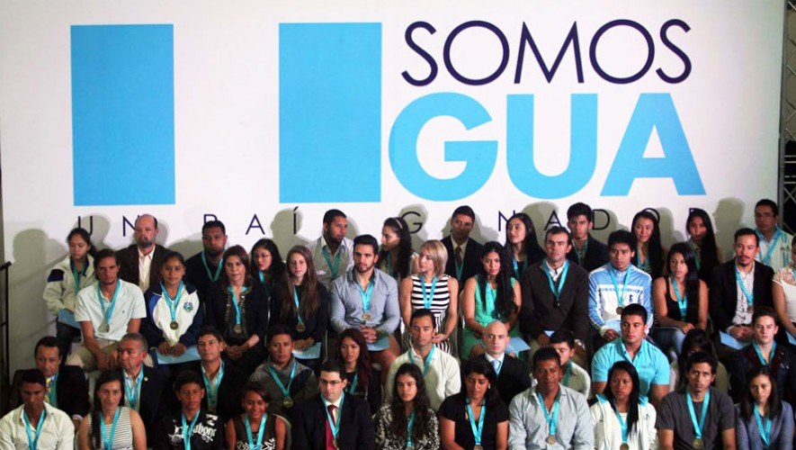 Se rindió homenaje a los atletas destacados durante la celebración del Día del Deportista. (Foto: Facebook Comité Olímpico Guatemalteco)