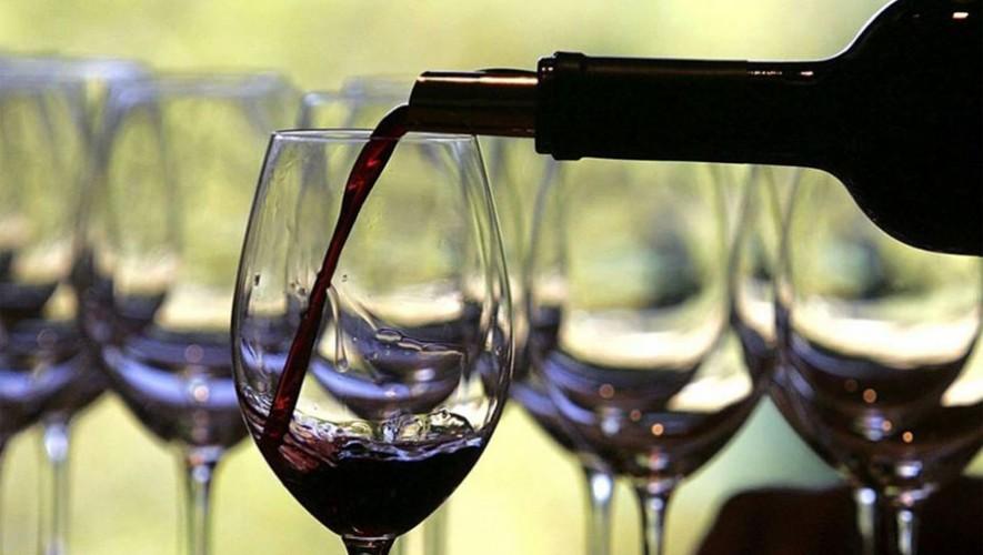 Puedes convertirte en un catador profesional de vinos en Guatemala gracias a la Escuela Española de Sommeliers. (Foto: Facebook Escuela Española de Sommeliers Guatemala)