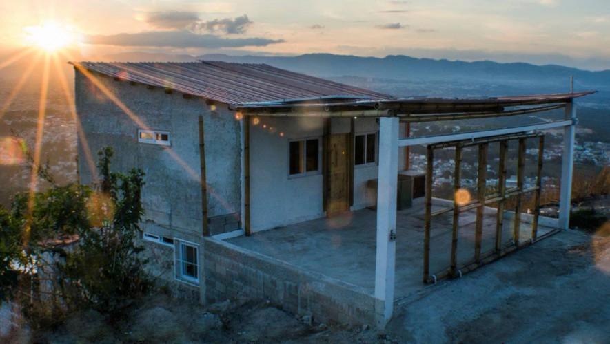 Así luce la tercera casa autosuficiente y ecológica construida por CASSA. (Foto: Topofilia)