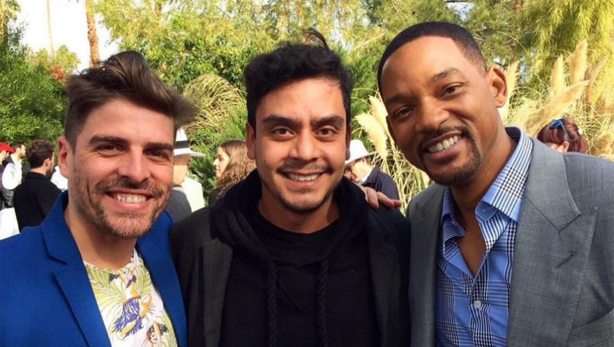 El director guatemalteco Jayro Bustamante junto a Will Smith en el Festival de Cine Internacional de Palm Springs. (Foto: Hebe Tabachnik/Facebook Ixcanul)