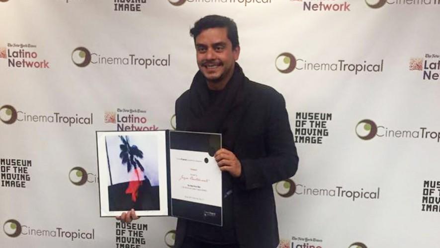 Jayro Bustamante recibió el galardón número 39 por Ixcanul. (Foto: Facebook Ixcanul)