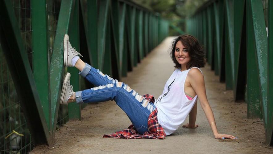 """La cantante guatemalteca Kim Lou estrenó su sencillo """"Feel The Moment"""".  (Foto: Facebook Kim Lou tv)"""