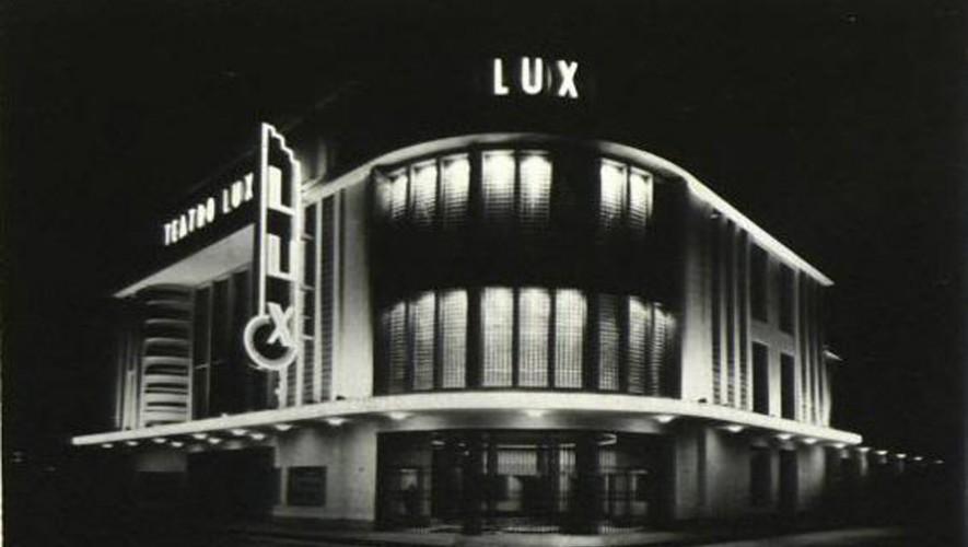 Ubicado en la 6a. avenida y 12 calle de la zona 1, el teatro Lux era utilizado como cinema. (Foto:  Fotos Antiguas de Guatemala)