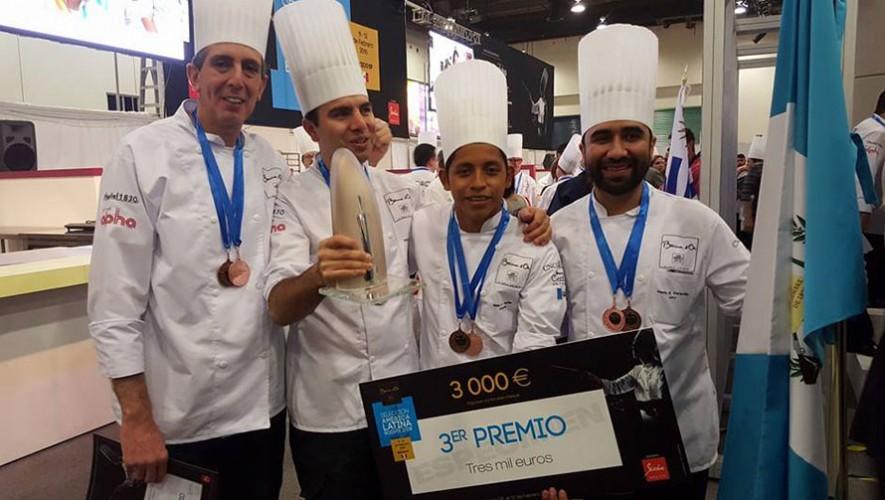 Los chefs guatemaltecos Mario Campollo, Diego Tellez, Marcos Saenz y Eddy Aguilar obtuvieron el tercer lugar en la competencia Bocuse d'Or 2016. (Foto: Chef Mario Campollo Sarti)