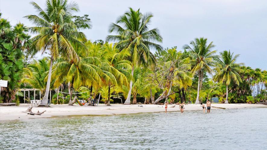 Playa Blanca en Guatemala fue elegida una de las mejores playas del 2016 por la revista Forbes. (Foto: Hector Lopez)