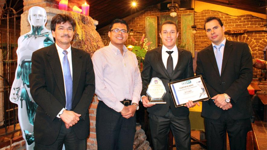 Diego Ríos junto a los representantes de ESET en Latinoamérica. (Foto: Cortesía de Juan Pablo Mijangos)