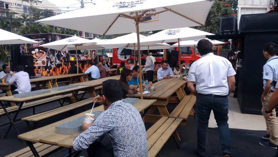 Así luce la Plaza Food Truck 502 en Guatemala. (Foto: Plaza Food Truck 502)