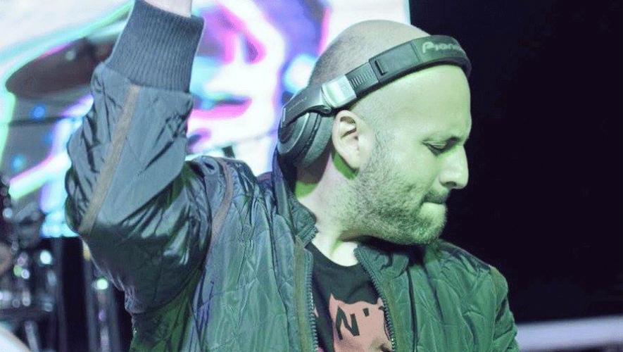 El DJ guatemalteco Francis Dávila fue nominado a Mejor DJ de América Latina en los EMPO Awards 2016. (Foto: RoofFilms)