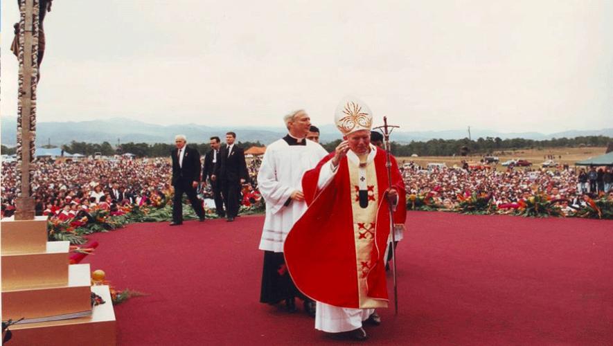 El papa Juan Pablo II durante su visita a Esquipulas en 1996. (Foto: Nuestra Esquipulitas)