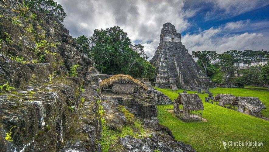 Prepárate para vivir una expedición extraordinaria en Tikal. (Foto: Clint Burkinshaw)