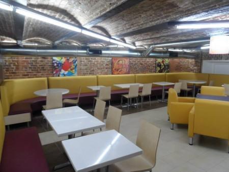 Interior del restaurante Taco Bell en la Sexta Avenida de la zona 1. (Foto: Taco Bell Guatemala)