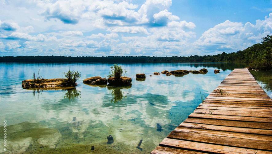 Laguna Lachuá es conocida por sus habitantes como el reflejo de cielo  (Foto: Andrea Tórtola)