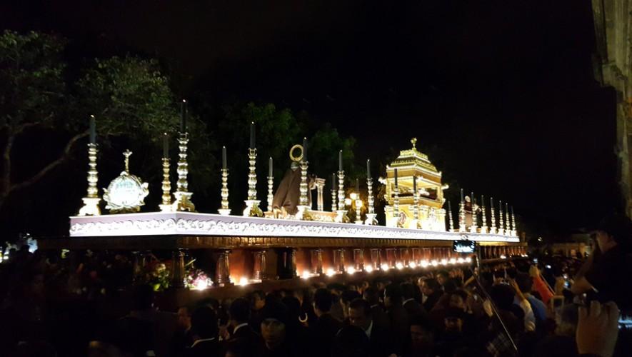 Así luce la procesión más grande del mundo en cuanto a dimensiones. (Foto: Alex Corzantes)