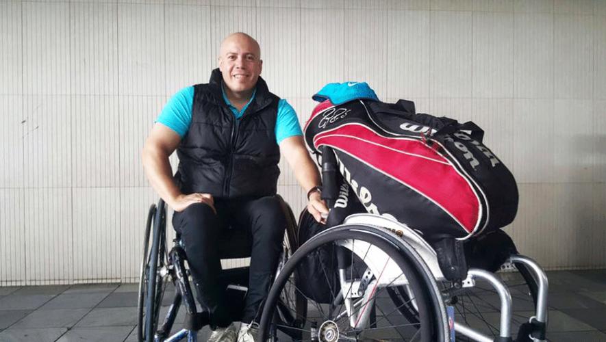 Julio Rueda ganó el primer lugar en el torneo de tenis en silla de ruedas que se disputó en Colombia. (Foto: Julio César Rueda)