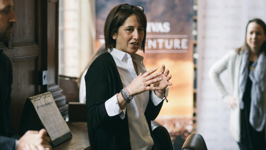 María Pacheco de Wakami Guatemala en la Universidad de Oxford. (Foto: Chivas Guatemala)
