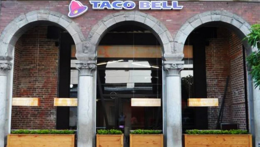 Las instalaciones del Taco Bell de la Sexta Avenida son de las más pintorescas. (Foto: Taco Bell Guatemala)