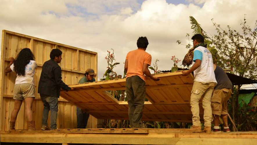 Únete a Techo Guatemala y construye casas para los más necesitados durante Semana Santa. (Foto: Techo Guatemala)
