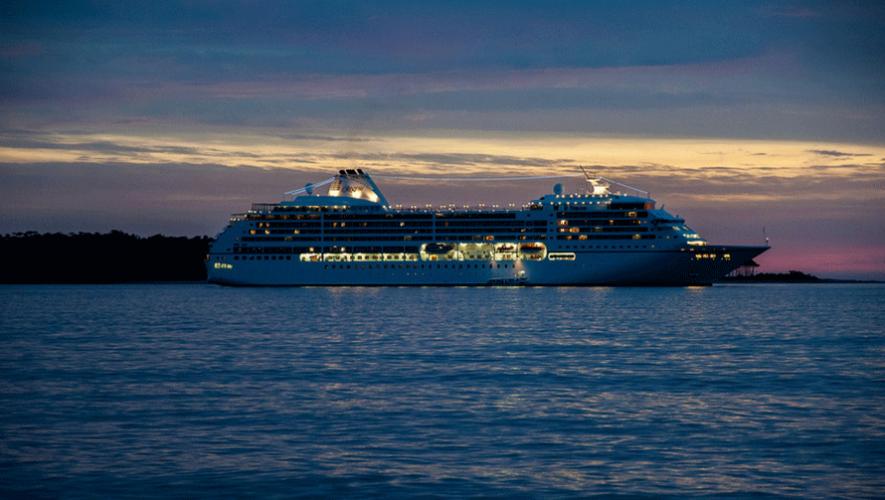 En 2014 por primera vez llegó a Guatemala el crucero Azamara Quest. (Foto: William Moreira)
