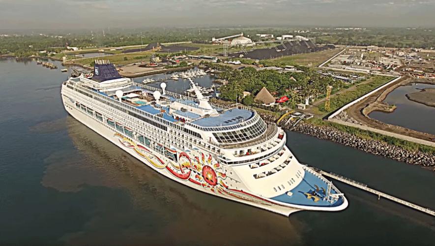 La línea de cruceros Norwegian Cruise Line desembarca en las costas del país. (Foto: Captura YouTube)