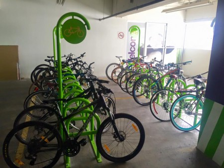 La compañía Telus instaló recientemente un biciparqueo en sus instalaciones. (Foto: Bicimarketgt)