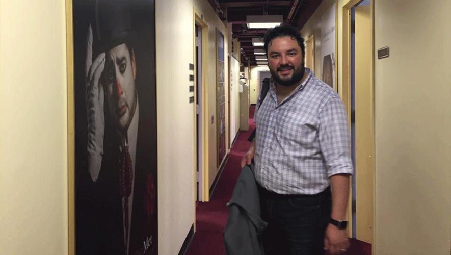 """Mario Chang en los ensayos de la obra """"El Elixir de Amor"""". (Foto: Mario Chang)"""