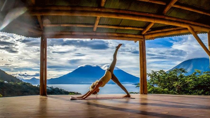 La práctica de yoga en Guatemala es un nuevo atractivo para los turistas. (Fotografía sin fines lucrativos: Tamia Hurtado)