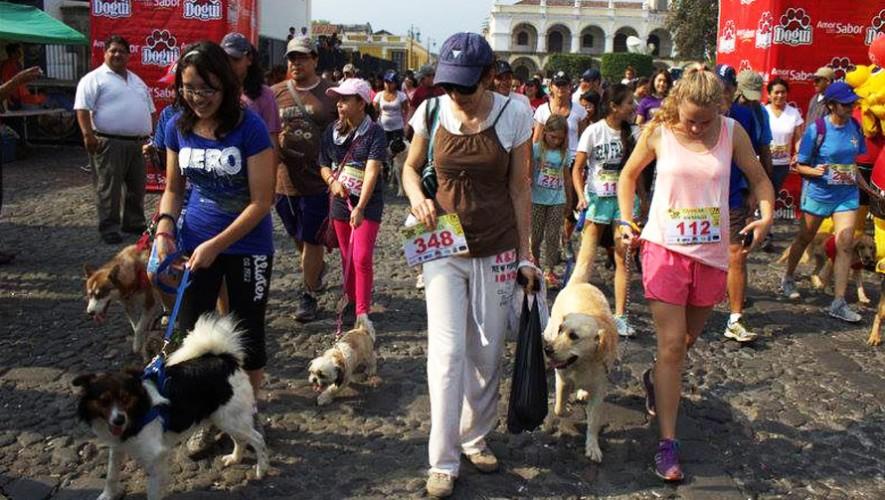Carrera por los animales en Antigua Guatemala   Mayo 2016