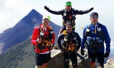 Los guatemaltecos al finalizar la quinta etapa de la competencia. (Foto: Team Guatemala - Marathon Des Sables 2016)