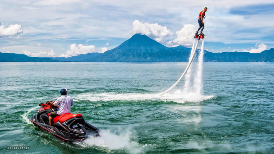 Vive Un Momento De Adrenalina Al Maximo Al Practicar Flyboarding En