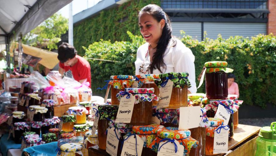 Gaby Bayer parte de la tradición de su familia para realizar jaleas y conservas artesanales. (Foto tomada de Facebook Los 40 Principales Guatemala)
