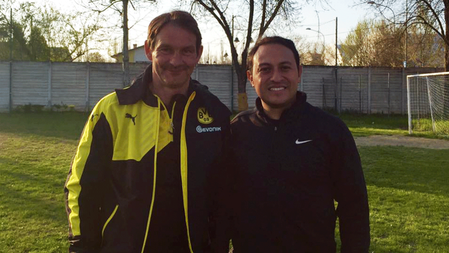 Juan Francisco Roldán junto a Andree KrüBmann del Borussia Dortmund. (Foto: Juan Francisco Roldán)