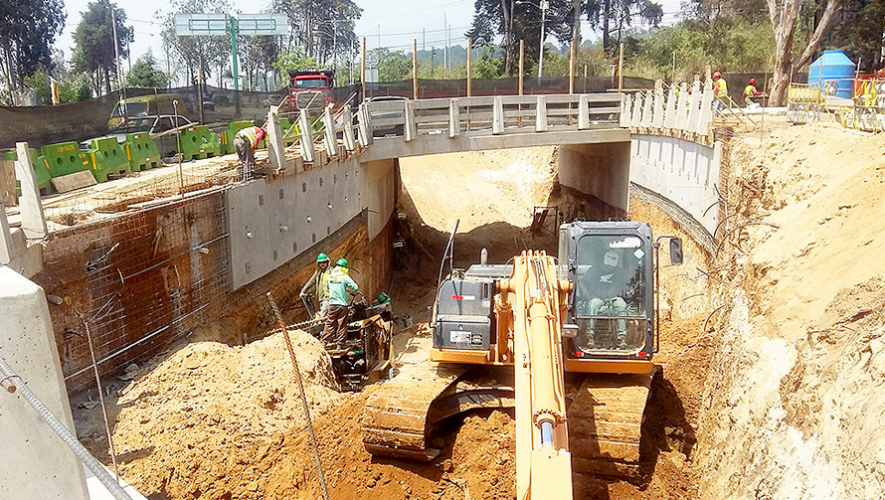 """Ha iniciado la fase de excavación del nuevo viaducto """"Las Flores"""" en zona 16. (Foto: Municipalidad de Guatemala)"""