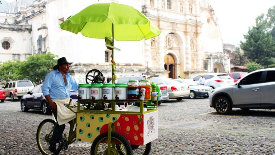 Así luce la carreta de granizadas artesanales de don Manuel García. (Foto: Cortesía Carlos Caal)