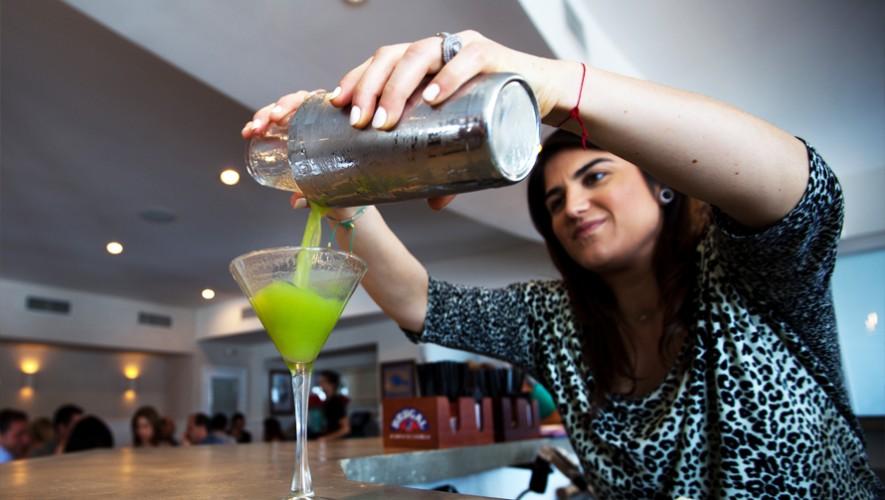 Aprende lo mejor de las bebidas y conviértete en un bartender profesional. (Foto: Flickr msmmelendez)
