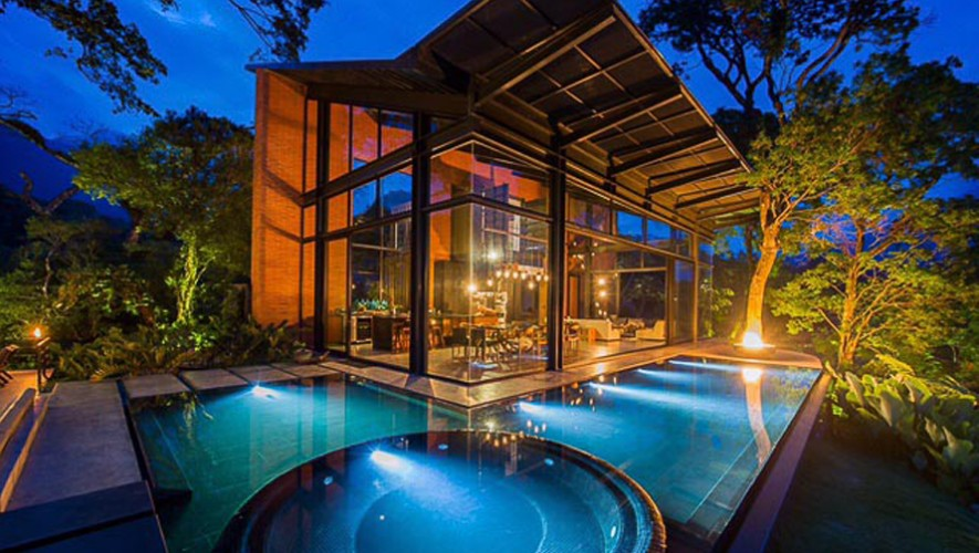 Casa ecco el hotel m s lujoso y ecol gico de guatemala for Construccion de piscinas en guatemala