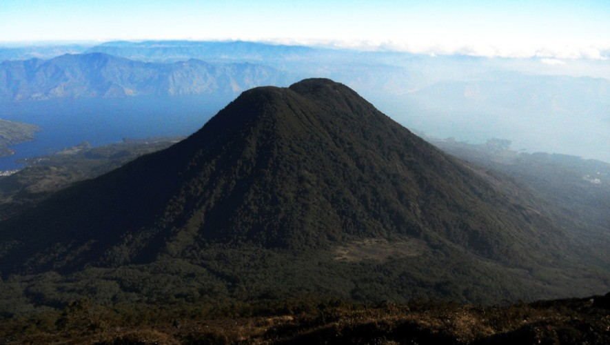 Vista de Tajumulco desde Chicabal. (Foto: Jorge Ochoa)