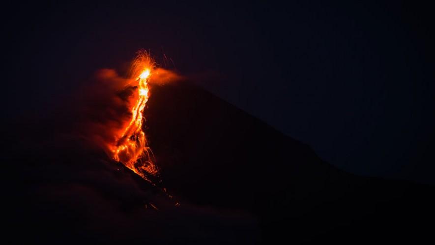 Volcán de Fuego Nocturno | Junio 2016