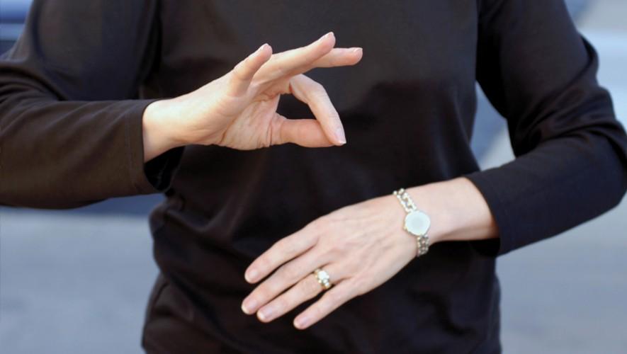 Aprende lenguaje de señas de manera profesional en Guatemala. (Foto: 2012 Books)