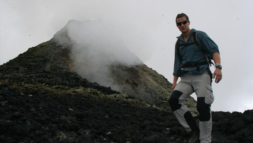 Bear Grylls en el Volcán de Pacaya en Guatemala. (Foto: BBC America)