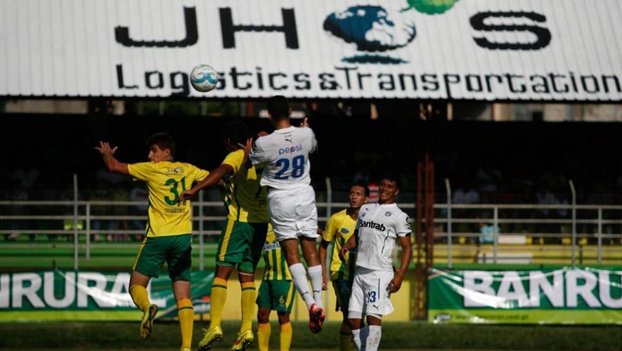 Partido de Guastatoya vs Comunicaciones, por el Torneo Apertura | Julio 2016
