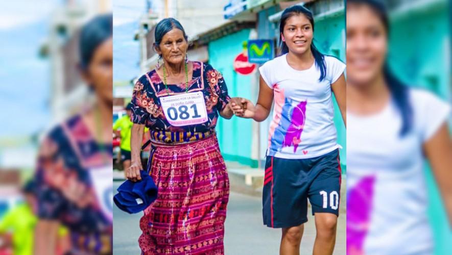 Guatemaltecas corren en traje típico