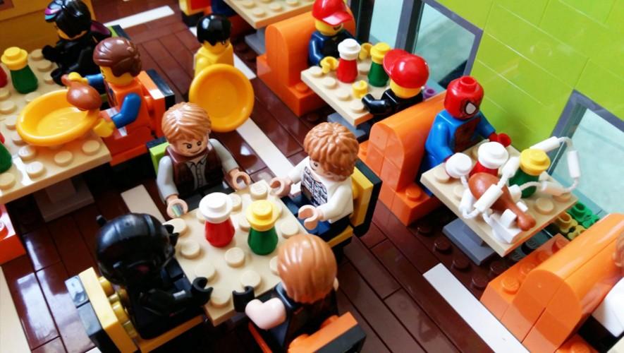 Gustavo Pereda crea obras de arte con Legos. (Foto: LUG Guatemala)