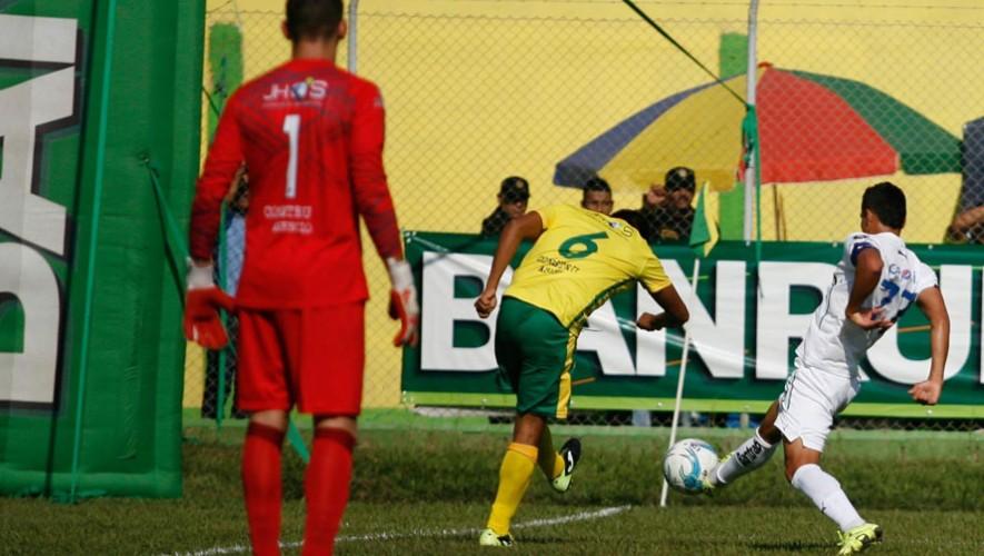 Partido de Guastatoya vs Cobán, por el Torneo Apertura | Julio 2016