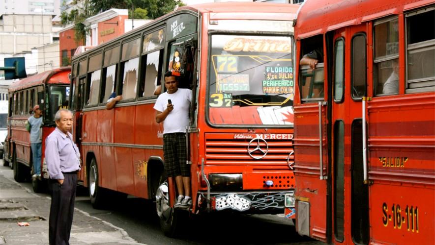 Conoce cuales son las rutas y recorridos de los buses rojos en la Ciudad de Guatemala. (Foto: Sole Walker)