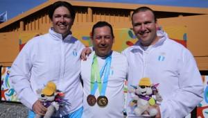 Herbert y Enrique junto a su entrenador. (Foto: COG)